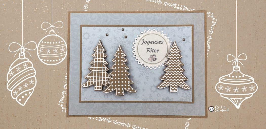 Carte de Noël faite à la main avec sapins.